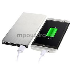 Luxusní kovová externí nabíječka power bank 12 000 mAh - stříbrná - 1