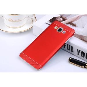 Červený kovový kryt na Samsung Galaxy A3 - 1