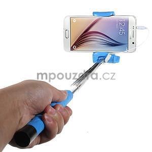 Selfie tyč s automatickým spínačem na rukojeti - světle modrá - 1