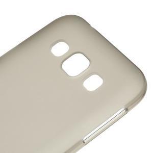 Matný gelový obal na Samsung Galaxy E5 - šedý - 2