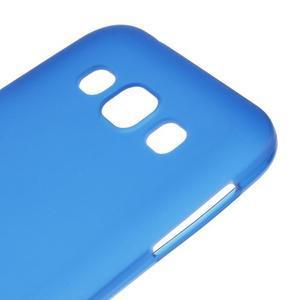 Matný gelový obal na Samsung Galaxy E5 - modrý - 2