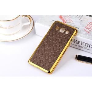 Elegantní obal na Samsung Galaxy A3 - hnědy se zlatým lemem - 2