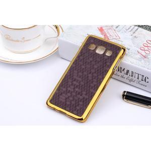 Elegantní obal na Samsung Galaxy A3 - fialový se zlatým lemem - 2