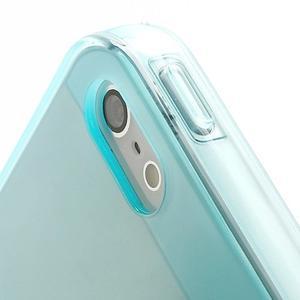 Gelový transparentní obal na iPhone 5 a 5s - světle modrý - 3