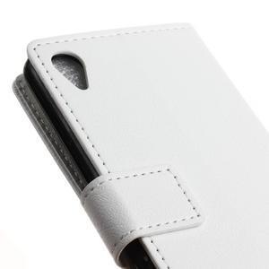 Grain koženkové pouzdro na Sony Xperia X - bílé - 3