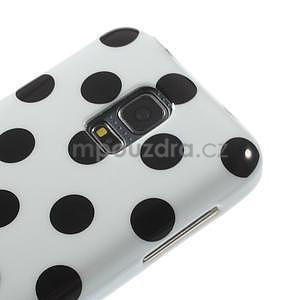 Bílý puntíkatý gelový obal na Samsung Galaxy S5 mini - 3