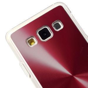 Metalický plastový obal na Samsung Galaxy A3 - červený - 3
