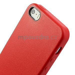 Gelový obal s texturou na iPhone 5 a 5s - červený - 4
