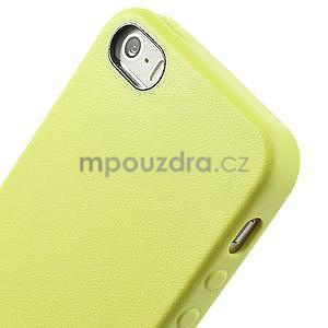 Gelový obal s texturou na iPhone 5 a 5s - žlutozelený - 4