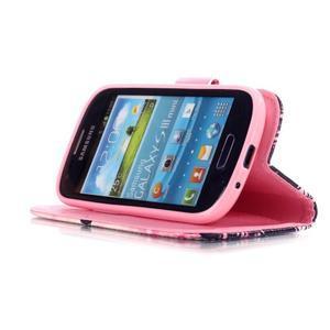 Knížkové PU kožené pouzdro na Samsung Galaxy S3 mini - motýlci - 4