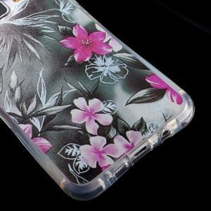 Tvarovaný gelový obal na Samsung Galaxy A5 (2016) - květiny - 4