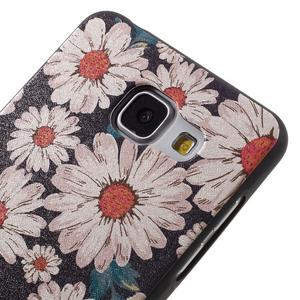 Gelový obal s koženkovým vzorem na Samsung Galaxy A5 (2016) - sedmikrásky - 4