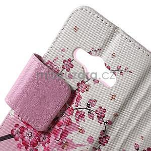 Vzorové peněženkové pouzdro na Samsung Galaxy Xcover 3 - kvetoucí větvička - 5