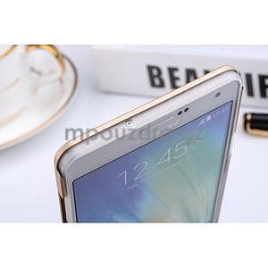 Zlatý kovový kryt na Samsung Galaxy A3 - 6