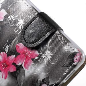 Květinové peněženkové pouzdro na Samsung Galaxy A5 (2016) - černé - 6
