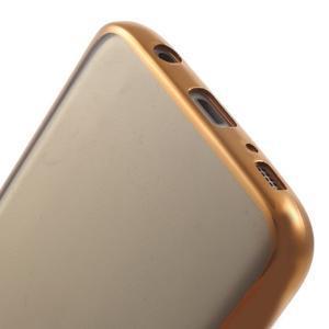 Gelový obal se zlatým rámečkem na Samsung Galaxy S7 - 6
