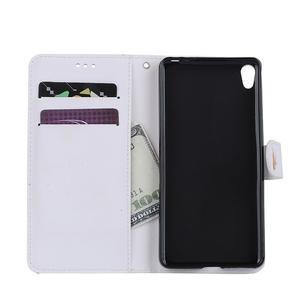 Motýlkové PU kožené pouzdro na mobil Sony Xperia E5 - bílé - 7