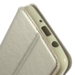Royal pouzdro s okýnkem na Samsung Galaxy J5 (2016) - zlaté - 7